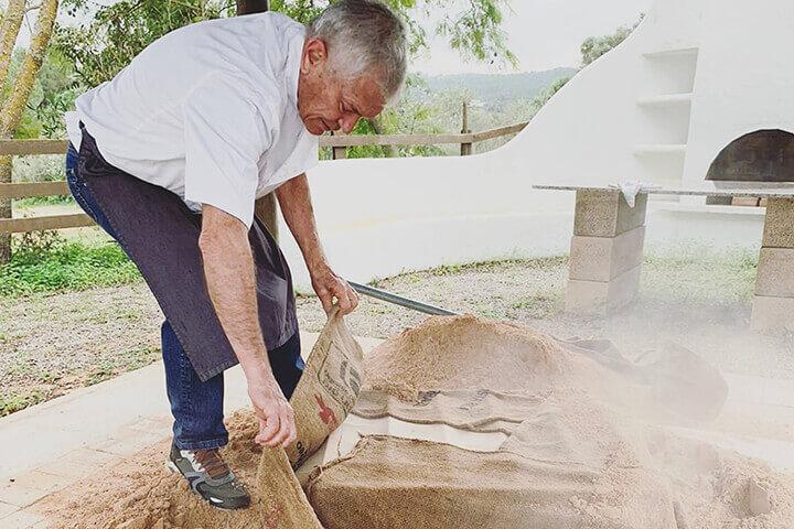 Asado Hangi tradicional. Can Truy, Ibiza