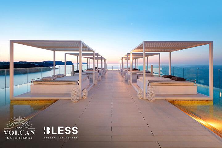 Camas balinesas en Bless Hotel Ibiza