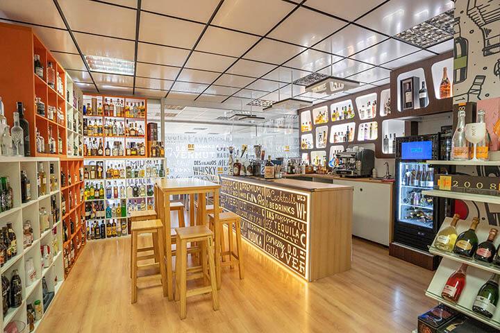 Exposición de bebidas en BeDrinks, Ibiza