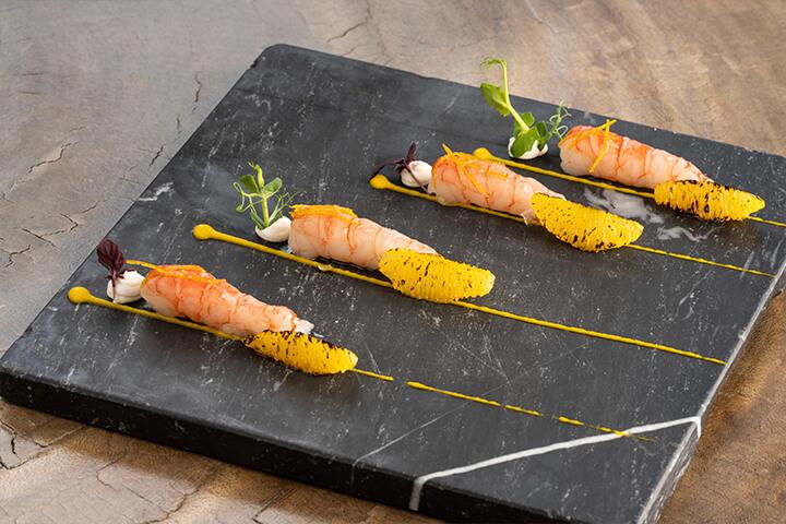 Gamba roja, búfala y naranja. Restaurante It Ibiza