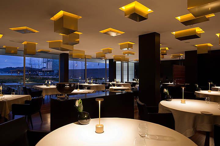 Sala de jantar restaurante Feitoria. Lisboa