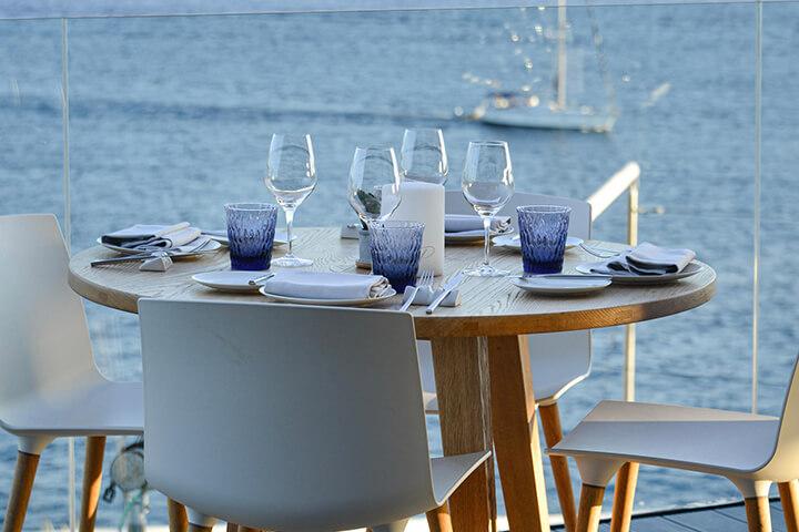 Terraza restaurante The View. 7Pines Resort Ibiza