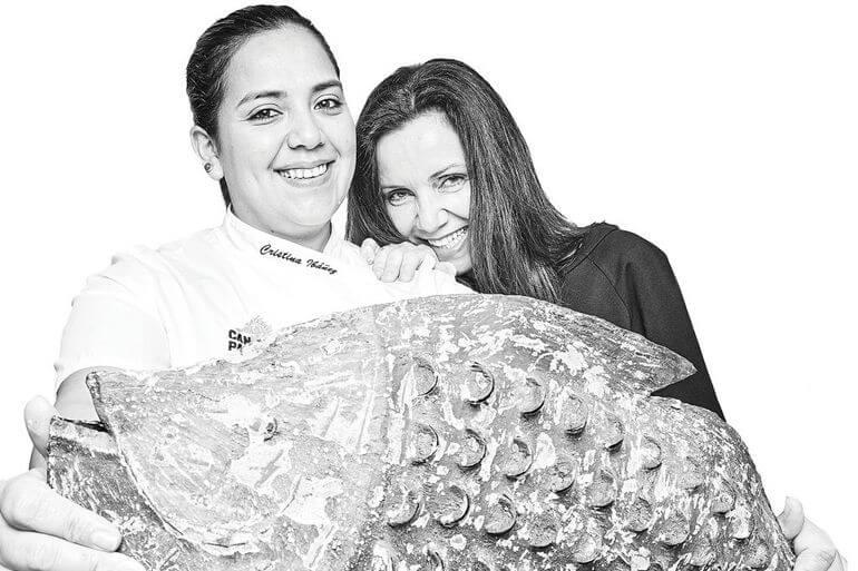 Cristina Ibáńez y Paquita Ferrer. Es Marčs, Formentera
