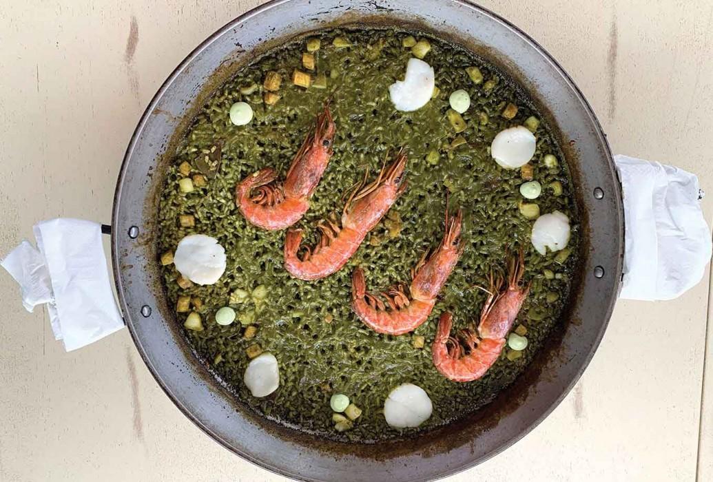 Paella de plancton marino con allioli de plancton y gambón. Restaurante La Mariterranea, Formentera