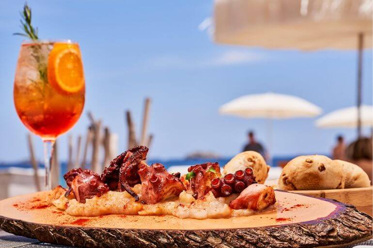 Pulpo a la gallega. The Beach by Ushuaďa Ibiza