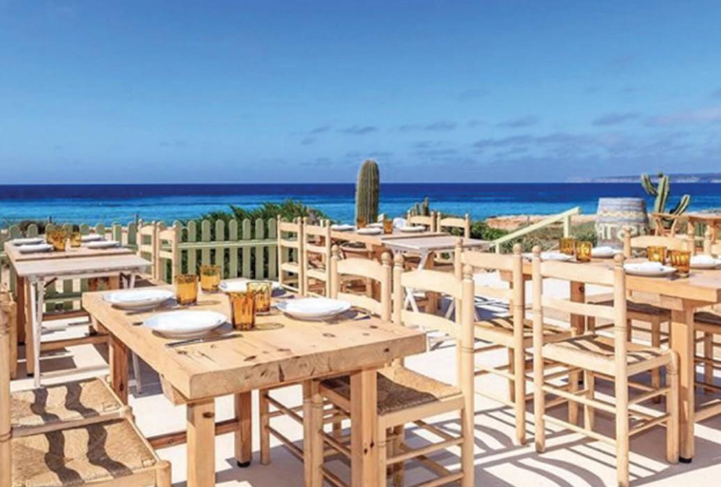 Vistas desde el restaurante Es Còdol Foradat. Formentera