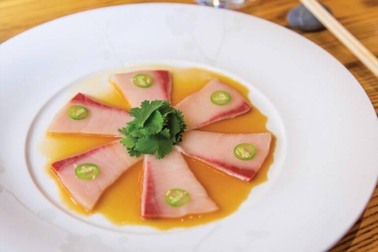 Sashimi de Hamachi y japapeńo