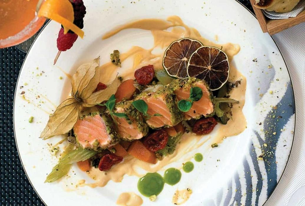 Tataki de salmón. Restaurante Chezzgerdi, Formentera