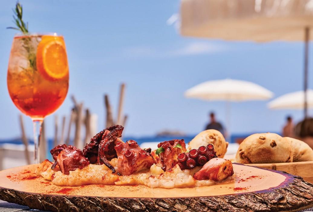 Pulpo a la gallega. The Beach by Ushuaďa Ibiza