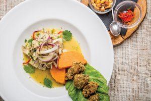 Ceviche de lubina con ortiguillas. Restaurante Can Limo, Ibiza