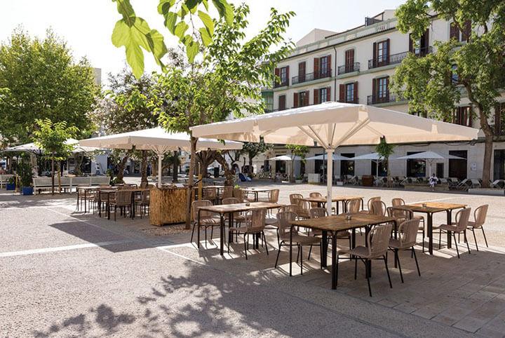 Terraza del restaurante La Cava en Ibiza