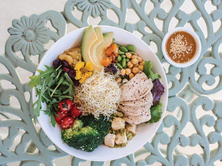 Aubergine salad with avocado, tomato, chickpeas, broccoli and quinoa. Ibiza