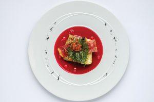 Lubina, remolacha, yuzu y jamón iberico. Molo 47, Formentera