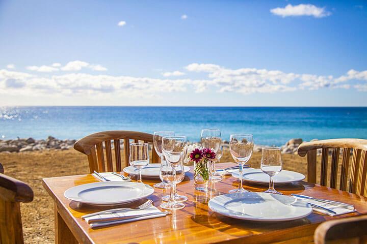 Vistas de la playa desde el Restaurante Yemanja. Ibiza