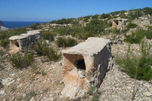 Colmenas tradicionales en Cala Xarraca, Ibiza