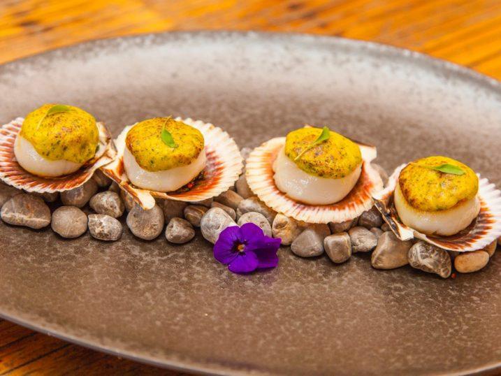 Conchas a la parmesana. Coricancha Nikkei Restaurant & Lounge Bar