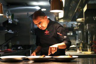 Luis Lassa, cocinero jefe en el restaurante Pacha