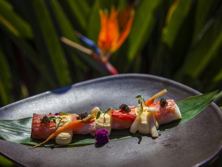 Merus de cangrejo real con salsa de holandesa de yuzu y verduritas encurtidas. Restaurante Blue Marlin Ibiza