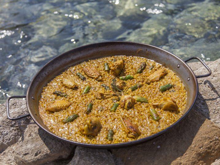 Paella de pollo y espárragos. Restaurante Yemanja, Ibiza