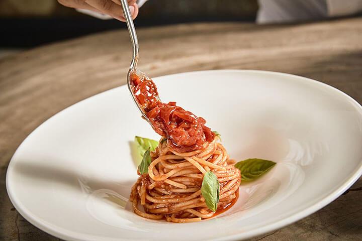 Spaghetti con tomate del Vesubio. Restaurante It Ibiza