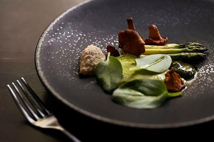 Grilled green asparagus. Pesca restaurant, Lisbon
