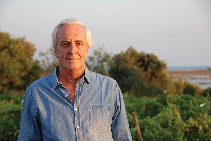 José Luis Santos, proprietário do adega Casa Santos Lima