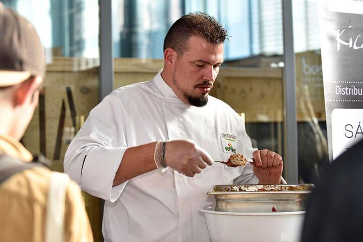 Show cooking de Víctor Sánchez para Bidfood Guzmán