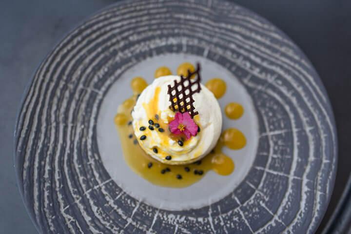 Tarta de queso con maracuyá. Restaurante Amante Ibiza