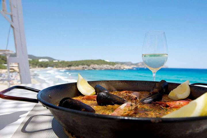 Atzaró Beach. Las mejores paellas de Ibiza