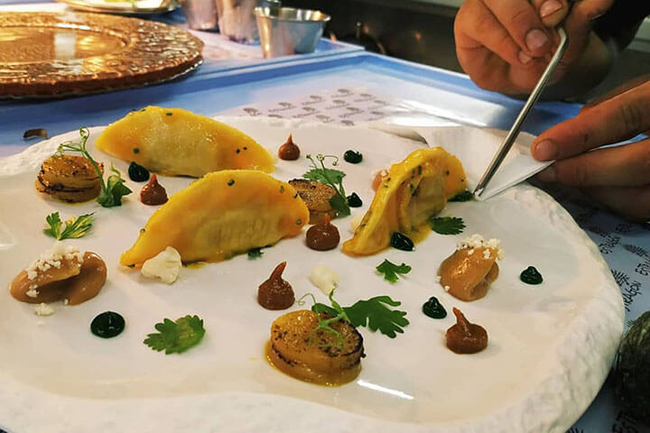 Ravioli de calabaza, verduritas y hierbas. Restaurante Es Tragón