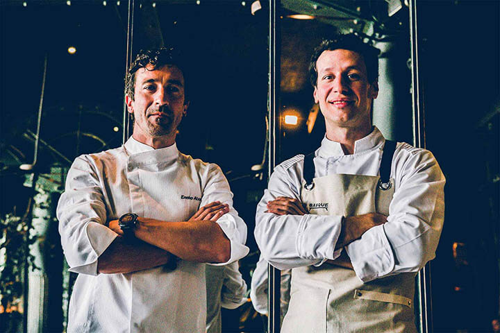 Chefs Eneko y Lucas en el restaurante Eneko Lisboa