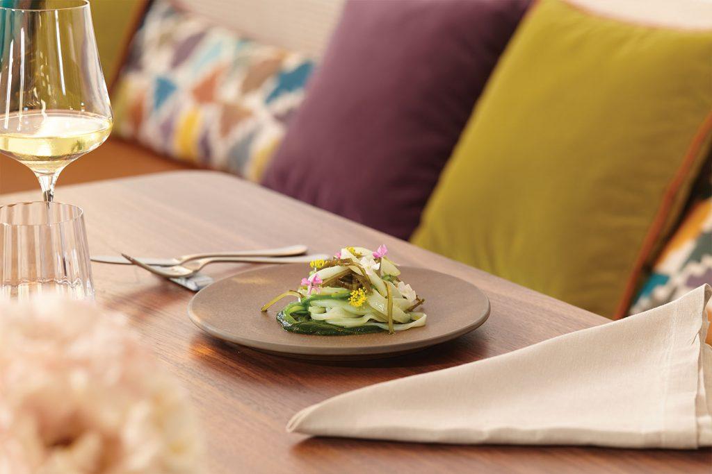 lulas, feijões verdes e purê de grelos