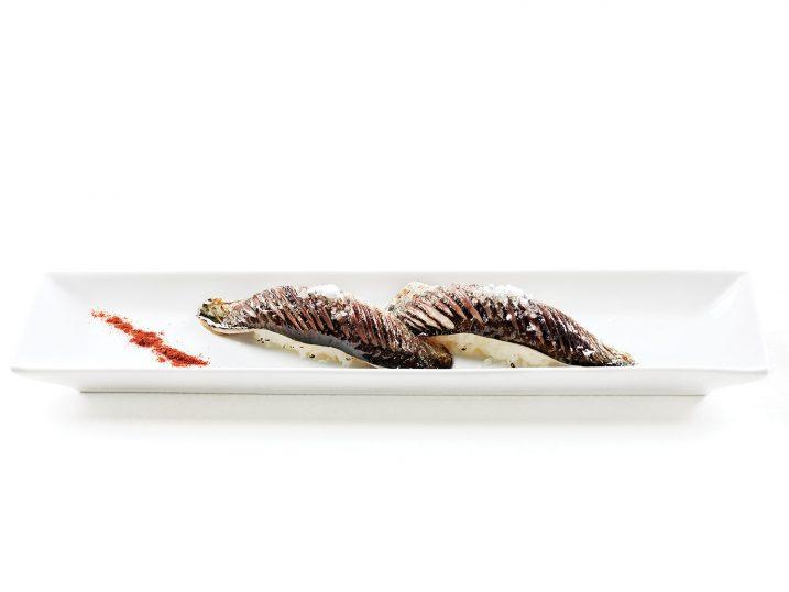 Nigiri de sardina asada. Sea Me - Peixaria Moderna