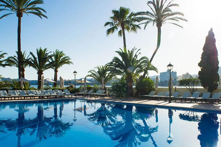Piscina Hotel Los Molinos. THB Hotels