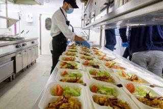 Preparando el menú solidario de