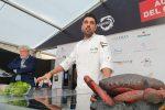 Jonay Hernández (La Vieja, Mallorca) presentó con gran éxito su brillante y cromática Nueva Cocina Canaria en el escenario del gran festival Saborea Lanzarote